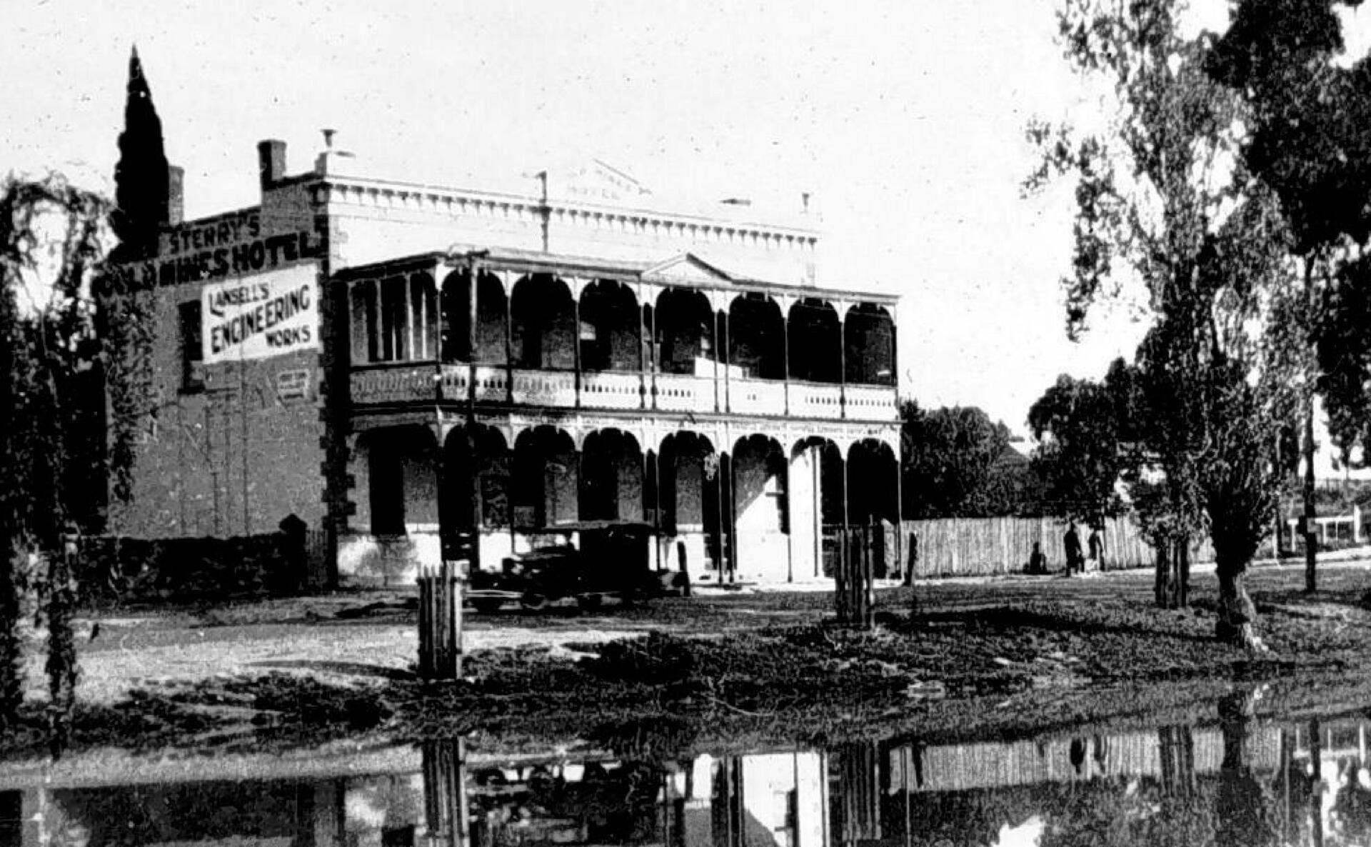 Gold Mines Hotel 1925
